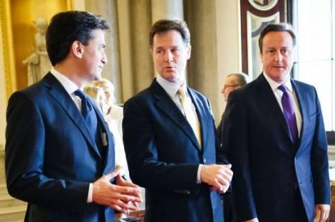 Σε πανικό οι Βρετανοί ηγέτες – Υπόσχονται περισσότερες εξουσίες στη Σκωτία