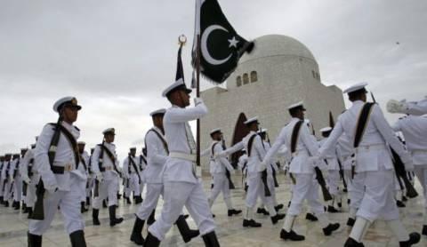 Πακιστάν: Η αλ Κάιντα αποπειράθηκε να επιτεθεί σε πολεμικό πλοίο των ΗΠΑ