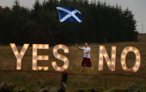 Σκωτία: Λίγο πριν ανοίξουν οι κάλπες… το 52% λέει όχι στην ανεξαρτητοποίηση