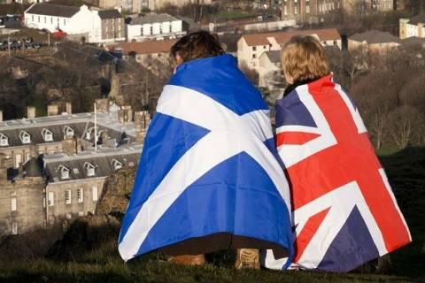 Σκωτία: Το 53% θέλει παραμονή στο Ηνωμένο Βασίλειο λίγες ώρες πριν το δημοψήφισμα