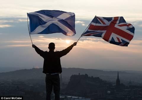 Δημοψήφισμα Σκωτίας: 170.000 αναποφάσιστοι κρίνουν το αποτέλεσμα