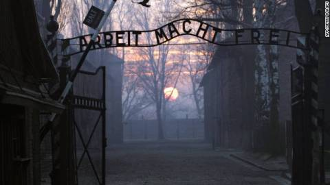 93χρονος κατηγορείται για το θάνατο 300.000 ανθρώπων στο Άουσβιτς