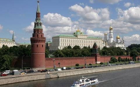 Ρωσία: Ο κόσμος ελέγχεται από μία «ορισμένη οργάνωση» πιστεύει το 45%