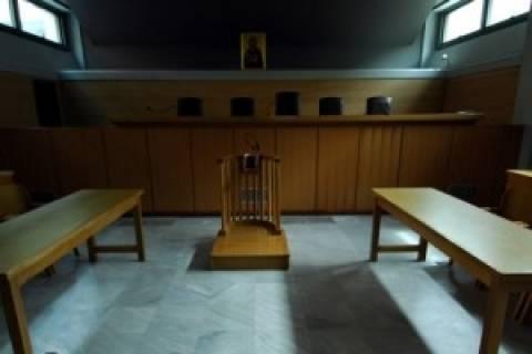 Αθωώθηκαν τρεις πυροσβέστες για το θάνατο ηλικιωμένης