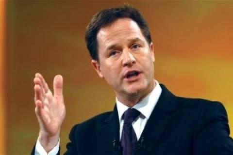 Νικ Κλεγκ: Να δοθούν περισσότερες εξουσίες στη Σκωτία