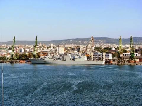 Πλοία της SNMG2 επισκέπτονται το λιμάνι της Βάρνας