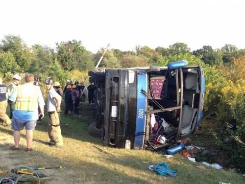 ΗΠΑ: Μία νεκρή και 49 τραυματίες από ανατροπή λεωφορείου στο Ντέλαγουερ (pics+vid)