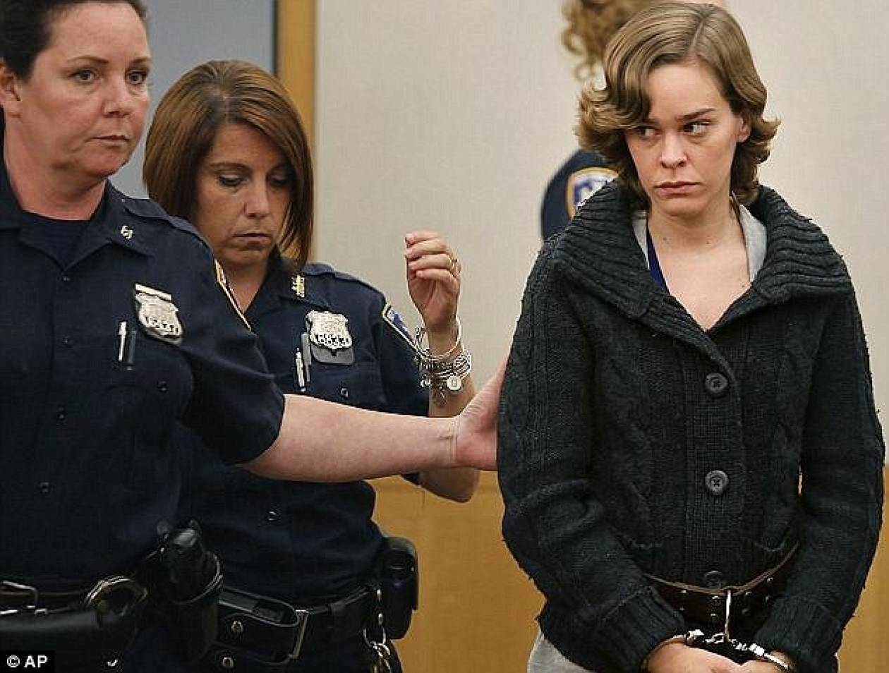 Σκότωσε τον πεντάχρονο γιο της για να μην τον φροντίζει! (pics)