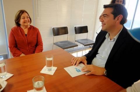 Συνάντηση Τσίπρα με τη νομπελίστρια Μορίντ Μαγκουάιρ