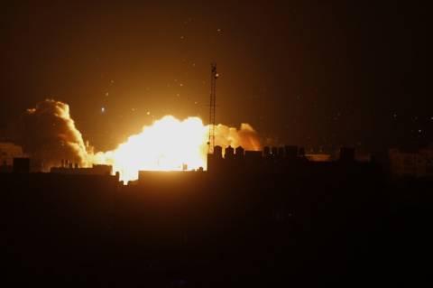 Οι αμερικάνοι βομβάρδισαν θέσεις των τζιχαντιστών με τη βοήθεια αραβικών κρατών (vid)