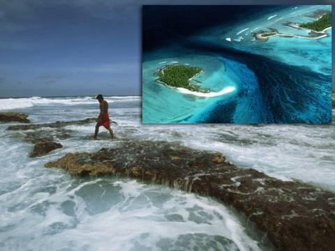 Ειρηνικός: Η κλιματική αλλαγή απειλεί με εξαφάνιση το κράτος Κιριμπάτι (pics+vid)