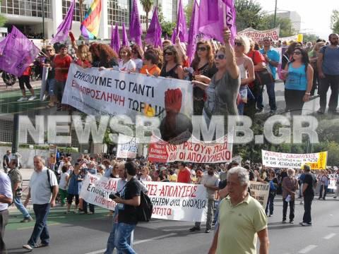 Σε εξέλιξη το συλλαλητήριο της ΑΔΕΔΥ (pics-vid)