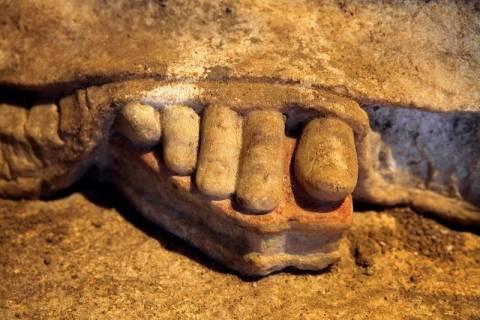 Μενδώνη για Αμφίπολη: «Οι κατασκευαστές προστάτευσαν τον τάφο από τυμβωρύχους»