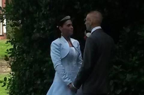 Ζευγάρι πέρασε την πρώτη νύχτα γάμου στη φυλακή (pics+video)
