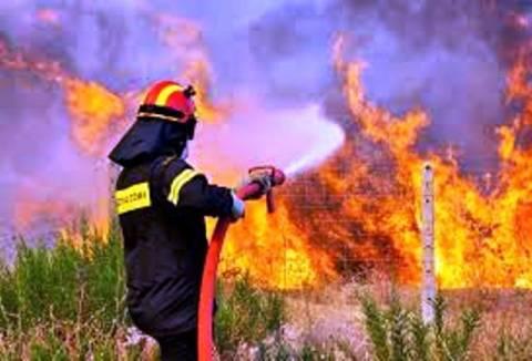 Κρήτη: Υπό έλεγχο οι πυρκαγιές σε Κεραμειά και Πλατανιά - Κάηκαν καλλιέργειες