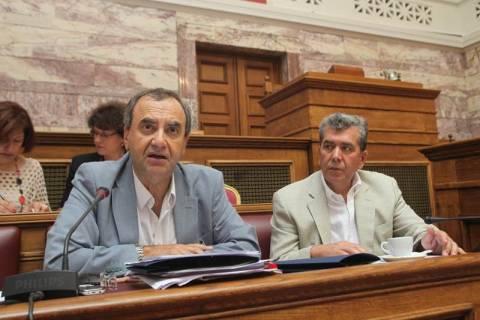 ΣΥΡΙΖΑ: Αναπαράγουν τον φαύλο κύκλο μείωσης μισθών και απολύσεων