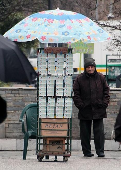 BBC για Παλαιοκώστα: «Ο Έλληνας Ρομπέν των Δασών που δίνει χρήματα στους φτωχούς»