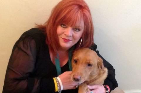 Σώθηκε από τον καρκίνο χάρη στο σκύλο της! (pics)