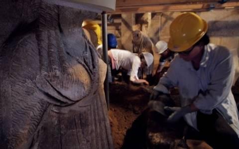 Αμφίπολη: «Πιθανός ένοικος η Ολυμπιάδα», λέει βρετανός αιγυπτιολόγος