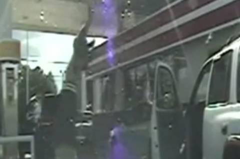 Σάλος στις ΗΠΑ με αστυνομικό που πυροβόλησε οδηγό χωρίς λόγο! (vid+pics)
