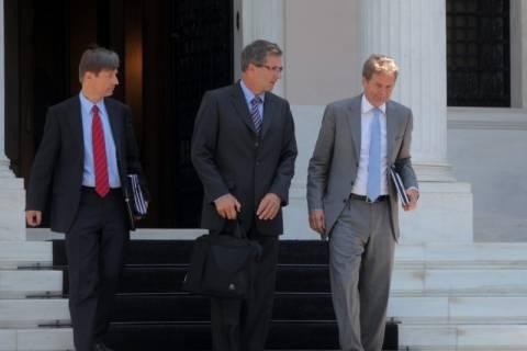Κούρεμα μισθών και απελευθέρωση απολύσεων ζητά η Κομισιόν