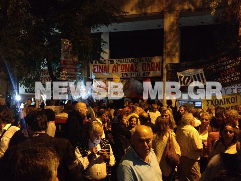 Πάρτι αλληλεγγύης στις καθαρίστριες του ΥΠΟΙΚ! (pics&vid)