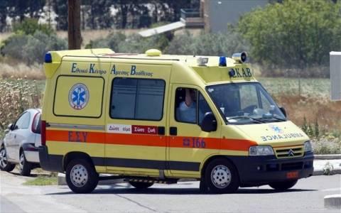 Λάρισα: Ανετράπη όχημα με 5 επιβαίνοντες - 3 τραυματίες στο νοσοκομείο