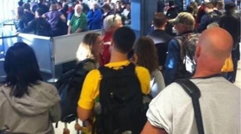 Σικάγο: Πυρκαγιά από υπάλληλο προκάλεσε χάος στα αεροδρόμια  (vid)