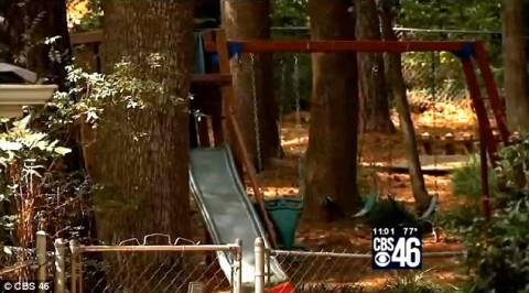 Τρίχρονος κρεμάστηκε μέσα σε νηπιαγωγείο (pics)