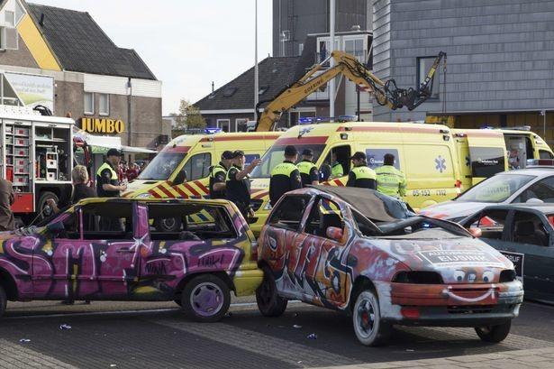 Τραγωδία στην Ολλανδία: Monster truck πάτησε θεατές! (vids)