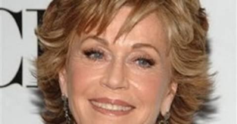 Διάσημη ηθοποιός αποκαλύπτει: «Η μητέρα μου βιάστηκε και αυτοκτόνησε» (pics)
