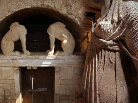 Amphipolis: The third gate of the Tomb is plain
