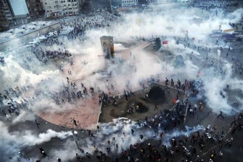 Το HRW καταγγέλλει τον «ανησυχητικό περιορισμό» των ελευθεριών στην Τουρκία
