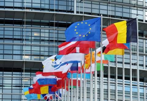 H EE θα παράσχει σε αγρότες οικονομική βοήθεια 165 εκατ. ευρώ