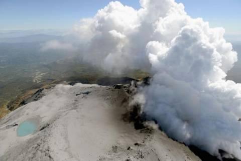 Ιαπωνία: Αναστολή στις έρευνες λόγω αυξημένης δραστηριότητας του ηφαιστείου