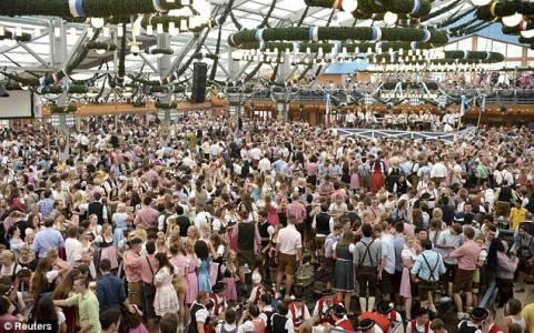 Σοκ: Βίασαν 24χρονο κατά τη διάρκεια του Oktoberfest