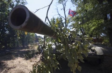Φιλορώσοι αντάρτες: Το Κίεβο δεν απομακρύνει τα στρατεύματά του
