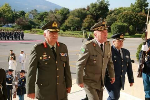 Ο Αρχηγός των Ενόπλων Δυνάμεων της Aλβανίας στο ΓΕΕΘΑ