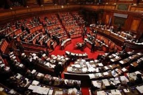 Ιταλία: Μειώσεις στις αποδοχές των εργαζόμενων στο Κοινοβούλιο