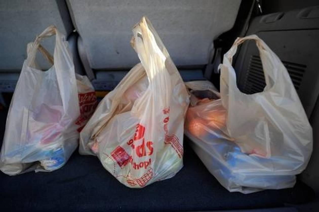 Απαγορεύτηκαν οι πλαστικές σακούλες στην Καλιφόρνια