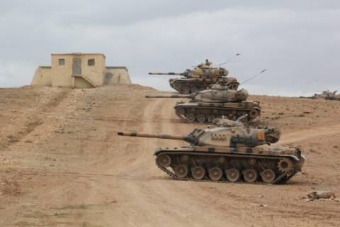 Τουρκικά τεθωρακισμένα εισβάλουν στα σύνορα της Συρίας