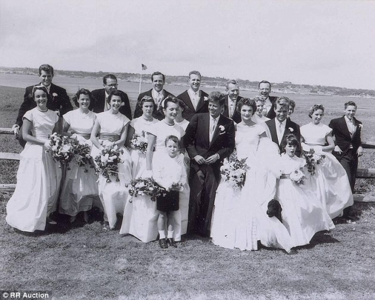 Τζον και Τζάκι Κένεντι: Αδημοσίευτες φωτογραφίες από το γάμο τους (pics)