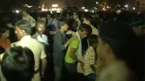 Τραγωδία στην Ινδία: Δεκάδες άτομα ποδοπατήθηκαν σε πανηγύρι! (vid)