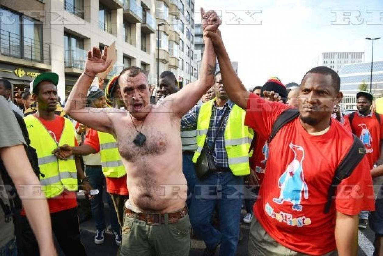 Βέλγιο: Μετανάστης αυτοπυρπολήθηκε σε διαδήλωση διαμαρτυρίας (pics)