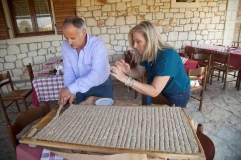 «Ένα Τραπέζι Ελλάδα»:Nέα ταξιδιωτική-μαγειρική εκπομπή του Σκάι