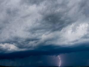 Έκτακτο δελτίο επιδείνωσης καιρού: Έρχονται καταιγίδες
