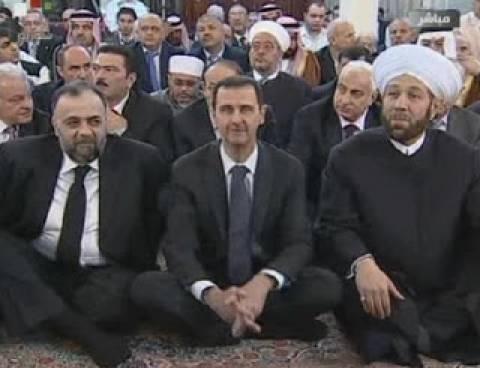Ο Ασάντ σε τέμενος στη Δαμασκό