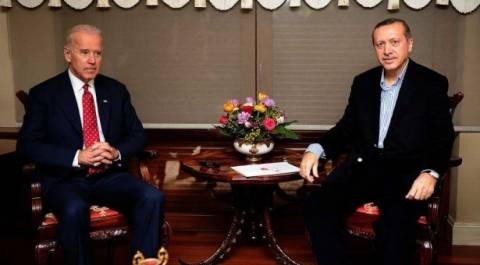 """Ο Ερντογάν καταγγέλλει τον Μπάιντεν για τη χρηματοδότηση της """"τρομοκρατίας"""""""