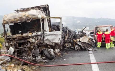 Εγνατία-Καραμπόλα: Για ανθρωποκτονία από αμέλεια κατηγορείται ο οδηγός την νταλίκας