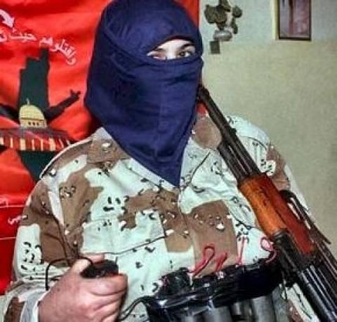Γυναίκα καμικάζι πάρεσυρε στο θάνατο τζιχαντιστές του ΙΚ